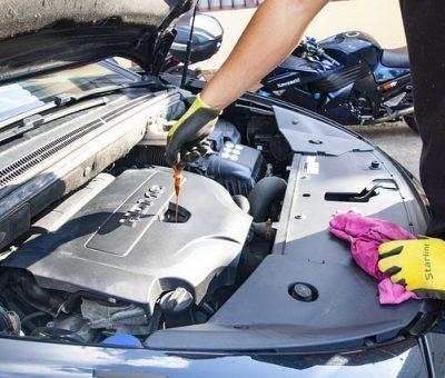 Vérifier le niveau d'huile moteur et faire l'appoint régulièrement