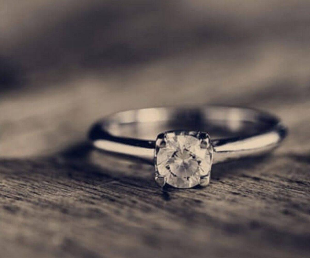 faux diamant d'un vrai